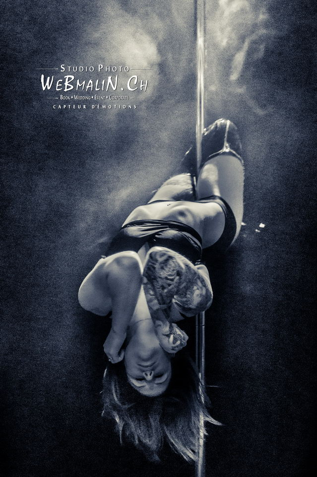 Post - Evian Tattoo Show - Pole Dance - Elle Howard