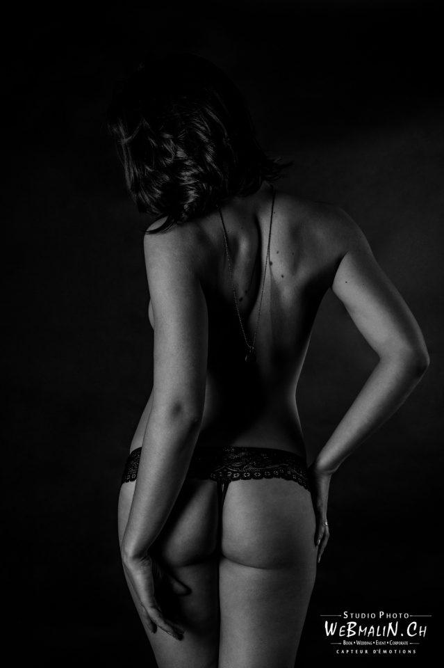 Portfolio - Nu en Noir et Blanc - Studio - Modele Charlotte