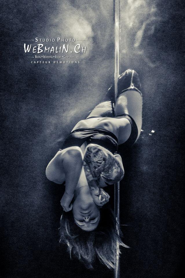 Post - Evian Tattoo Show - Pole Dance - Elle Howard